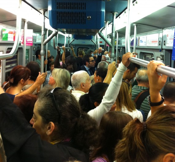 Trångt i tunnelbanan